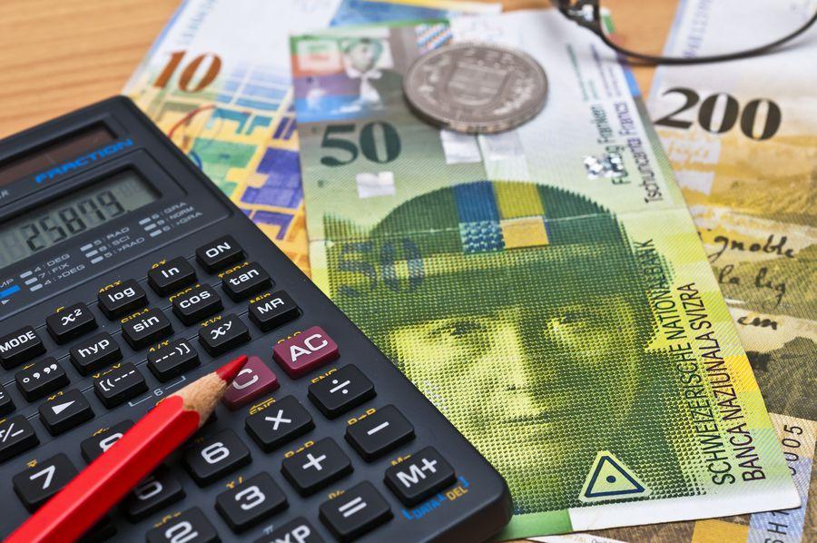 Schweizer Franken und Taschenrechner